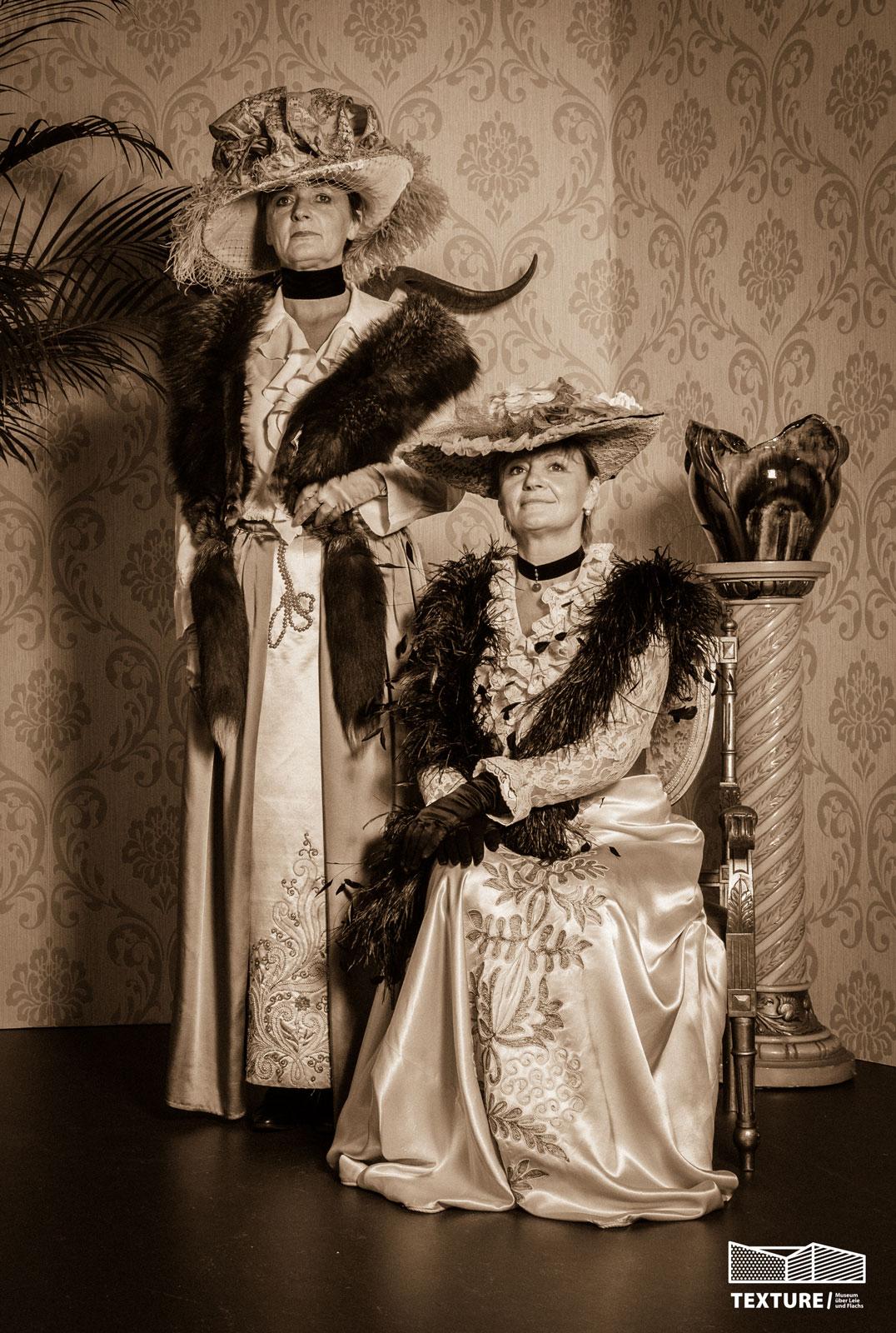 Fotoshoot in victoriaanse Stijl in museum Texture te Kortrijk tijdens Erfgoeddag