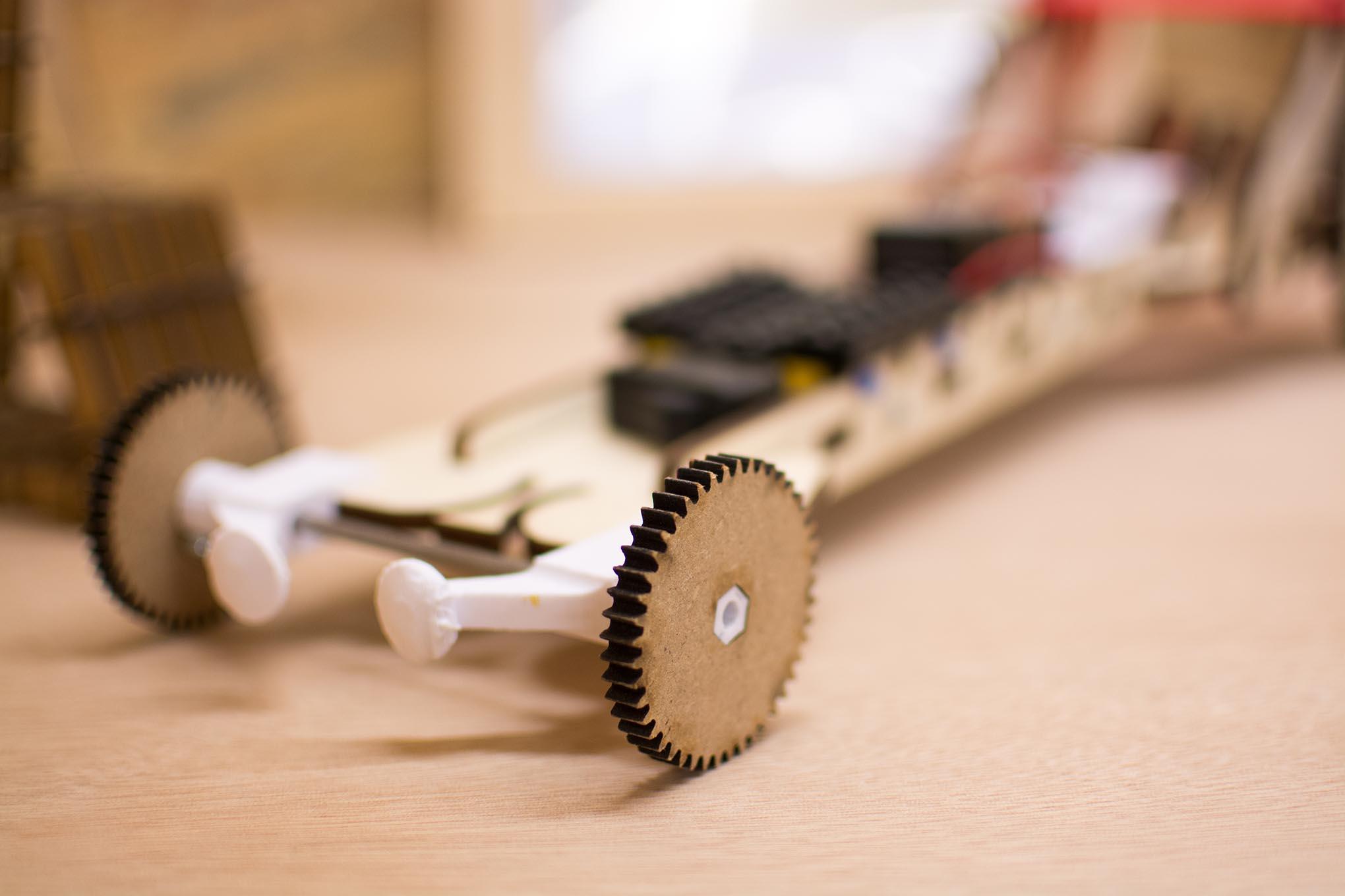 3D geprint stuk hout gefotografeerd in de budafabriek te kortrijk voor designregio